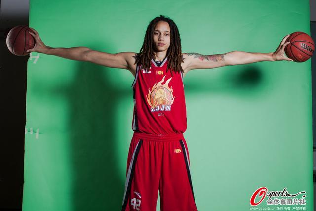 北京女篮签下女魔兽 上赛季曾贡献场均24+10