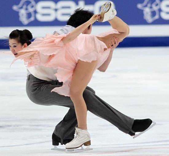 花滑世锦赛预赛打响 中国冰舞组合列第四晋级