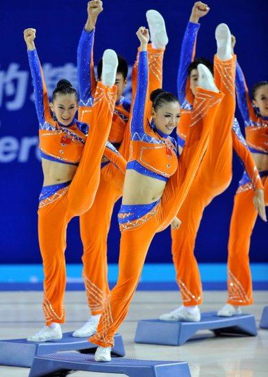 健美操有氧踏板决赛 中国队表现完美摘得金牌