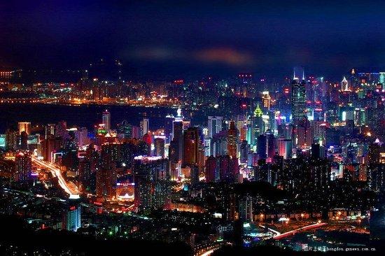 深圳再现大都市经济魅力 借力大运会创新辉煌