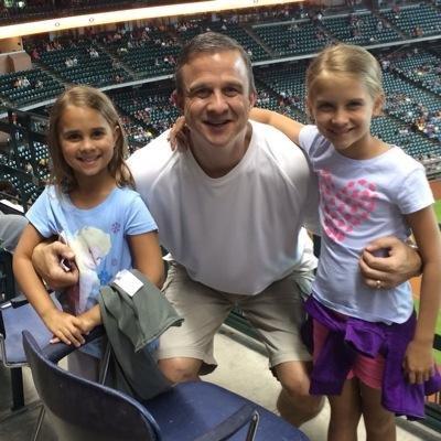 佩拉和两个女儿