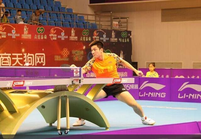 乒超马龙2分宁波力克上海振东乒乓球樊中国2用冰棒棍做蝙蝠侠飞镖图片
