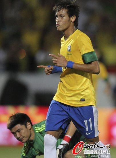 最惨失利!国足0-8负巴西 后卫送礼内马尔3球