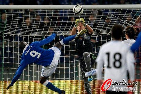 友谊赛-意大利0-1负10人乌拉圭 近7战首败北