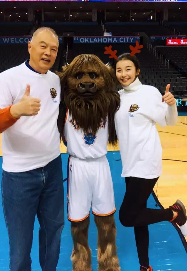 NBA女主播张曼源:张指导做事严谨 永远不迟到