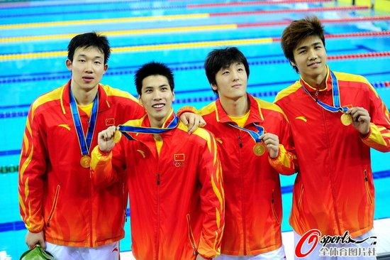 男子4*100米自由泳接力 中国队逆转日本夺冠