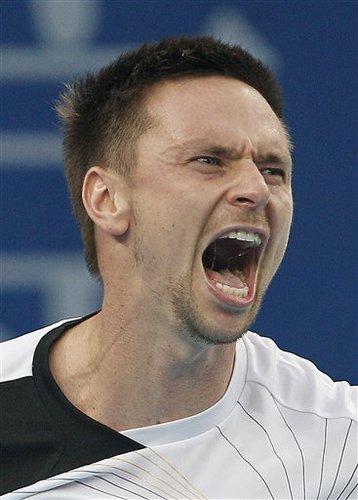 发球大战索德林击败阿尔玛格罗 晋级中网八强