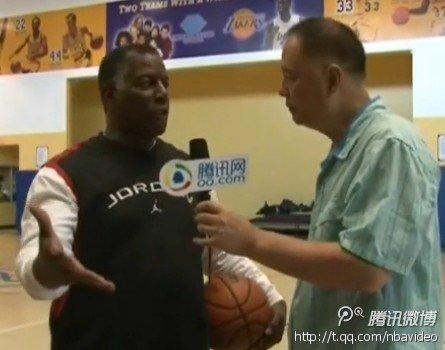 腾讯探访男孩女孩俱乐部 乔丹恩师教你打篮球
