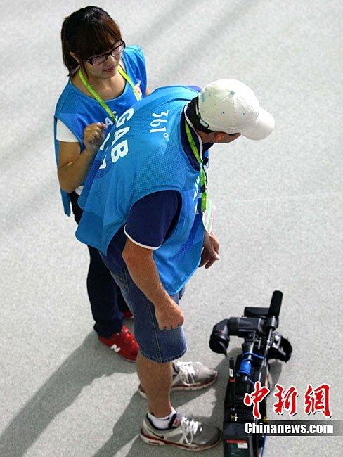 广州亚运会接近尾声 特许商品开始进入热销