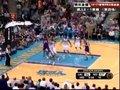 视频:湖人vs黄蜂 科比钻入篮下转身打板命中