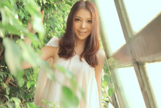 美女歌手艾莉莎:为老将喝彩 米兰不败(组图)
