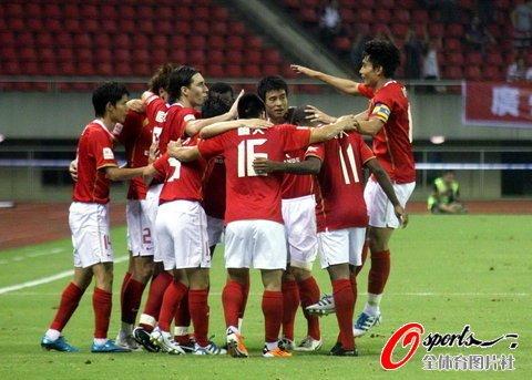 广州客场3-1完胜杭州 提前两战加冕半程冠军
