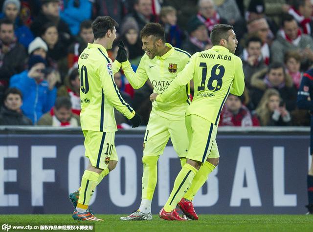 半场-巴萨2-0客场领先 梅西传射苏亚雷斯破门