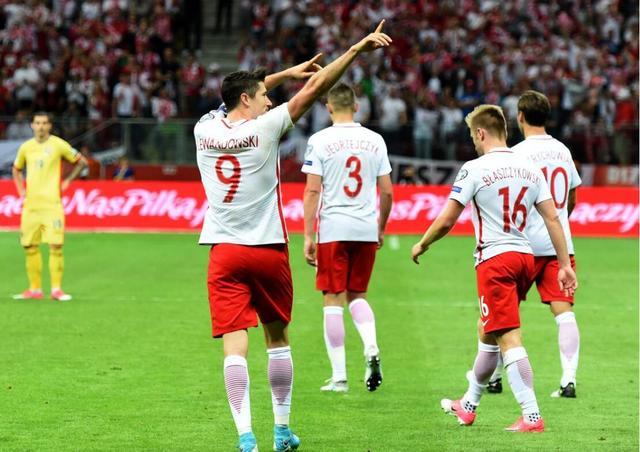 世预赛综述-波兰3-1莱万戴帽 德国胜英格兰平