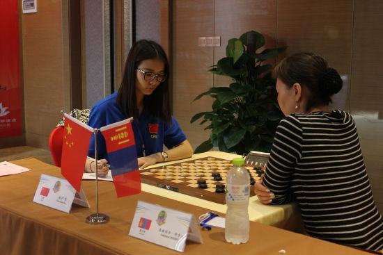 湖北美女棋手赵汗青:希望做国跳界的李娜