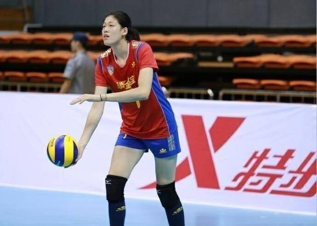 女排全锦赛天津登顶 李盈莹对轰钱静雯成焦点