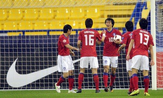 亚洲杯-韩国4-1印度淘汰赛碰伊朗 妖星3传1射