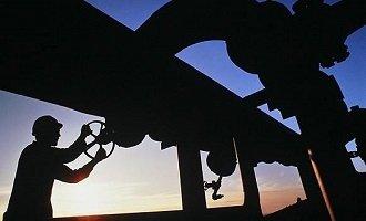 易宪容:国际油价短期大涨难掩三座大山仍压顶