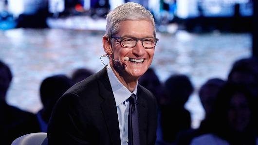 传苹果明年将推三款新iPhone:其中一款配备6.3英寸OLED显示屏