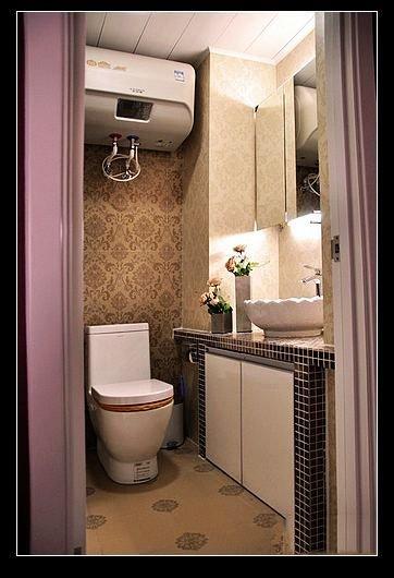 最后就是卫生间了,家里的房子小只有一个卫生间