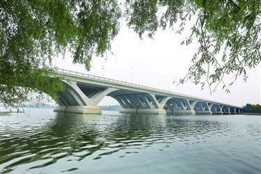 双向8车道 云龙湖跨浑河桥通车