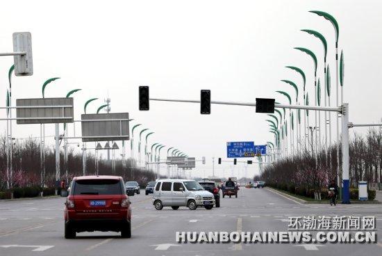 """唐山部分路口红绿灯""""沉默""""极易发生危险"""