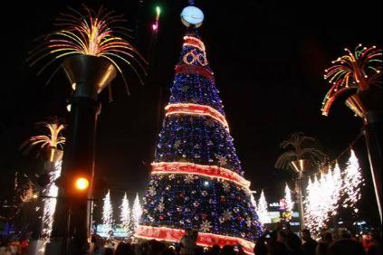 新华联国花园圣诞亮灯盛典 盛邀各界名流共鉴