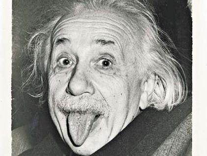 爱因斯坦庆生吐舌照片在美国被高价拍卖(图)
