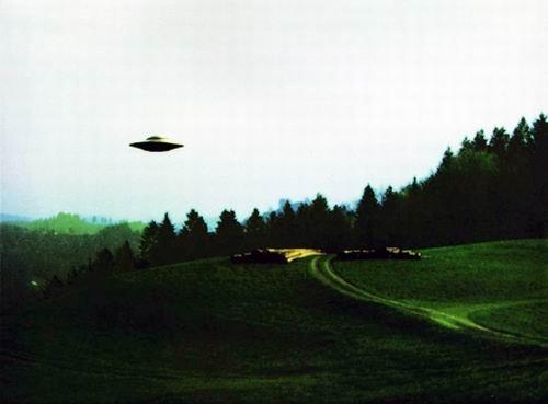 麦田怪圈持续4个世纪:外星人向地球发信息?