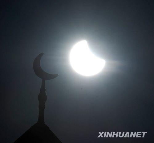 银川:观测日偏食(组图)
