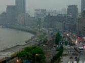 日食下的上海由暗变亮
