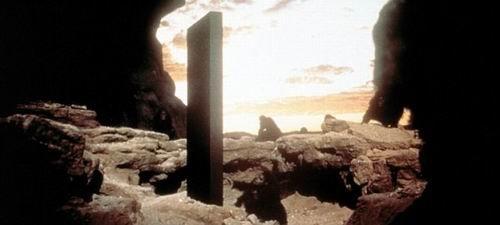 """火星表面发现""""巨石纪念碑"""" 猜测存在生命体"""