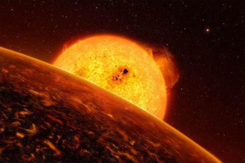 """科学家发现奇特系外行星上会下""""岩石雨"""""""