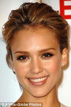 科学家绘出最美女性脸孔 双眼距离是标准之一