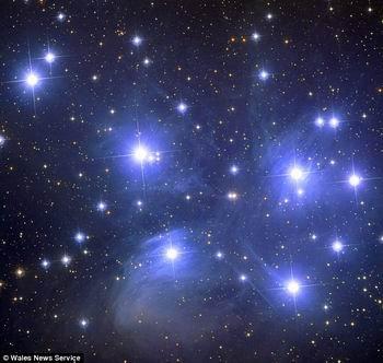 英业余爱好者拍摄壮观星系照片可与哈勃媲美