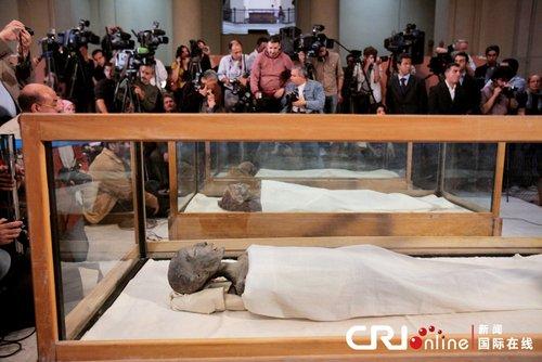 埃及展示法老木乃伊 揭图坦卡蒙死亡之谜(图)