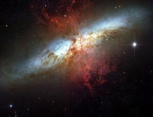 天文学家发现神秘未知天体 射电波达4倍光速