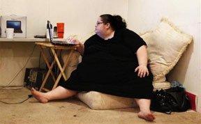 """全球最肥胖母亲的""""另类生活"""""""