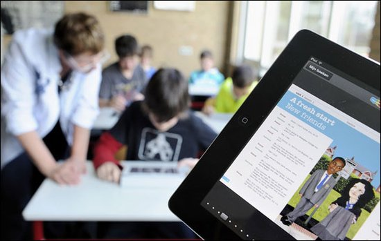 学校市场有助iPad拉开竞争差距 合作一拍即合