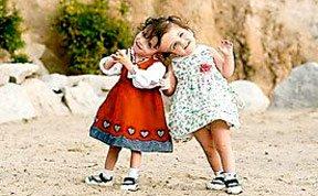 连体姐妹能通过对方眼睛看世界