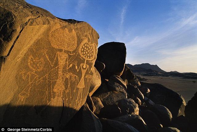 外星人曾造访地球?史前壁画至今难解