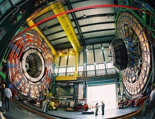 科学家称欧洲大型对撞机可穿越时空 通往古代