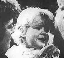 人类历史上第一个试管婴儿当妈妈(组图)