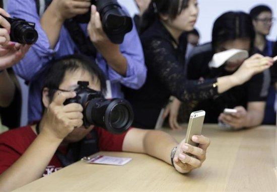 新款iPhone中国市场遇冷 苹果痛掉上百亿美元市值
