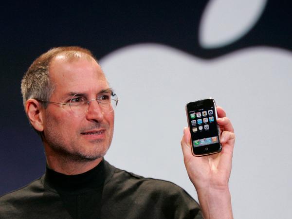 iPhone的10个最重要瞬间:从乔布斯扔掉触控笔开始