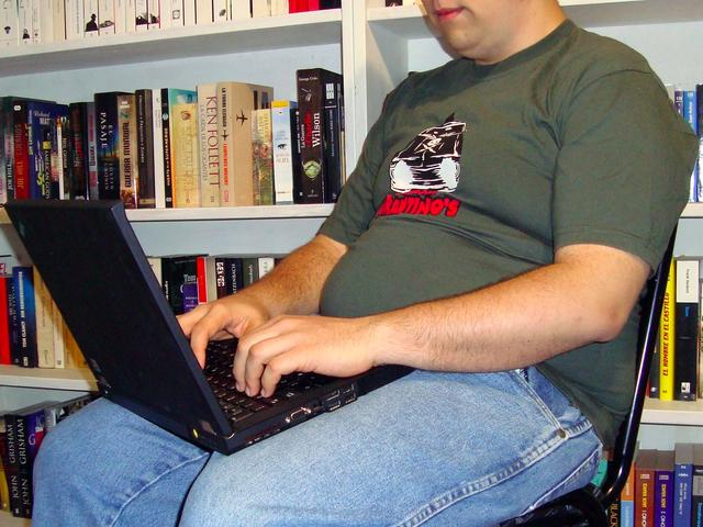 胖子们当心:超标体重或会拉低你的智商
