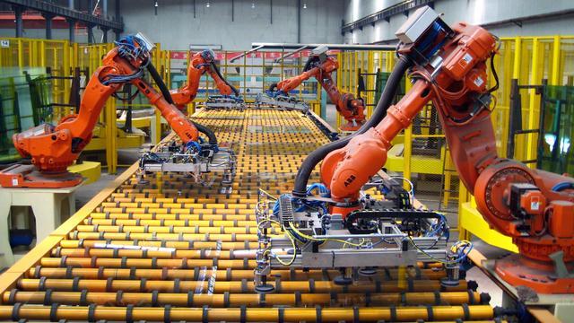 """广东""""机器代人""""一线调查:部分岗位效率提高10倍"""