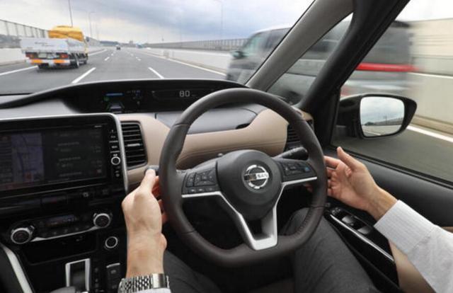 日本制定无人车发展目标:2030年两成上路汽车将自动驾驶