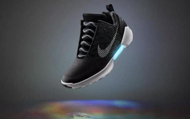 耐克确定12月1日面向消费者公开发售自动系鞋带跑鞋