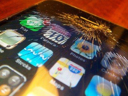 软银将为日本地震中iPhone受损用户更换手机